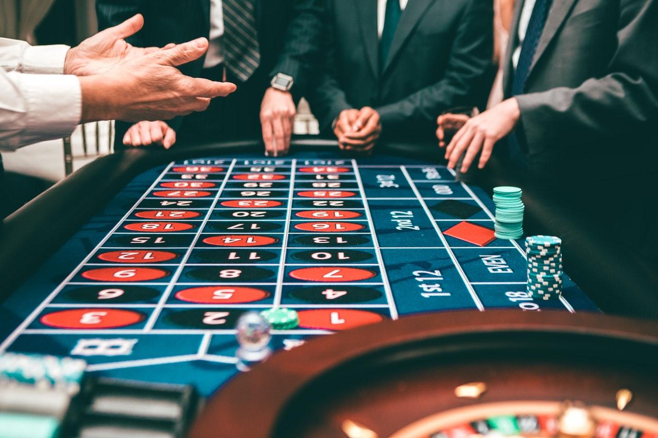 Illuminous bitcoin slots FortuneJack Casino free spins